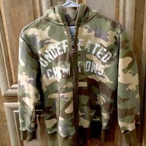 Pre-Owned Heavy Winter Camouflaged Hoodie Jacket